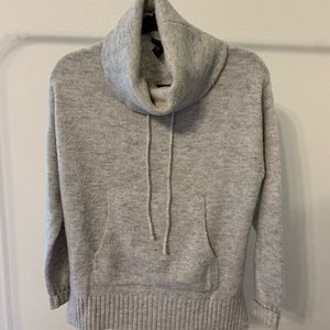 FOREVER21 PULLOVER WITH FRONT POCKET